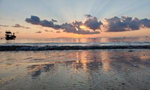 夕阳下的海边美景高清摄影图片