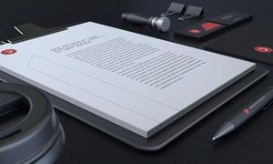 桌上的办公文件特写视角样机源文件