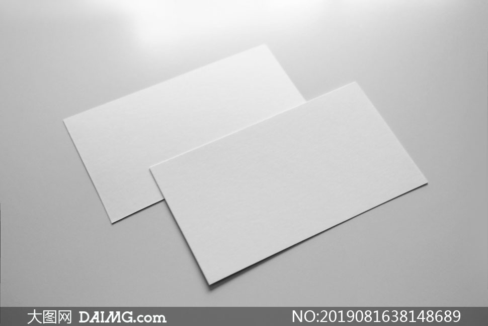 交错叠放的名片应用效果模板源文件