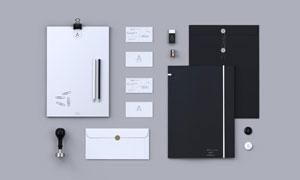 平铺着的名片信封与资料袋样机模板