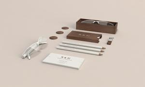 眼镜名片与铅笔等元素样机模板素材