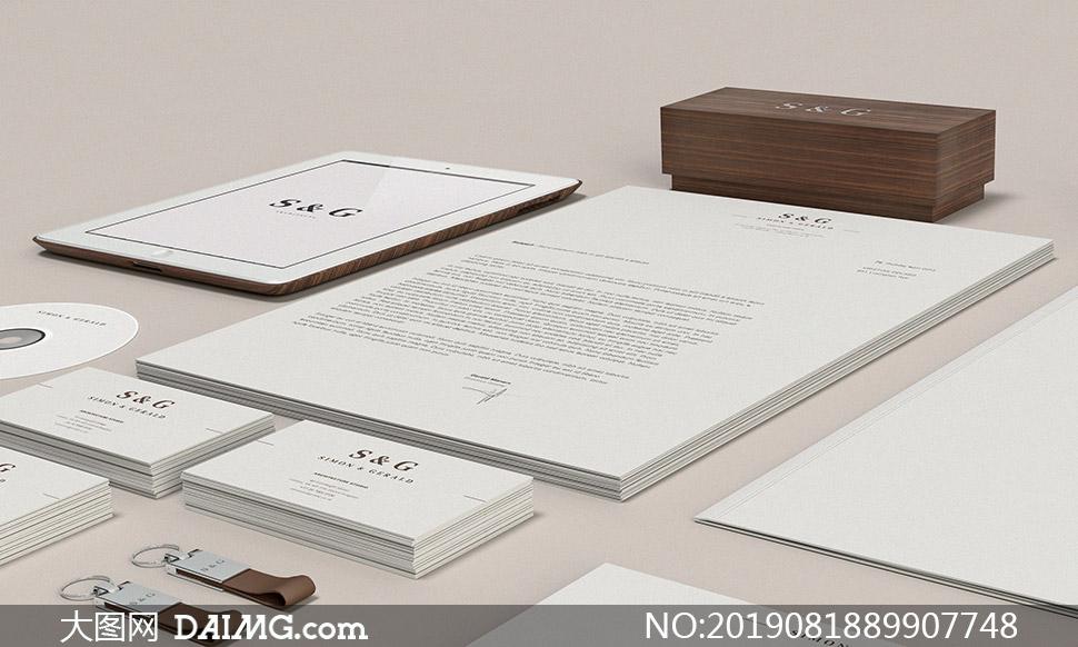 眼镜盒名片与平板电脑等样机源文件