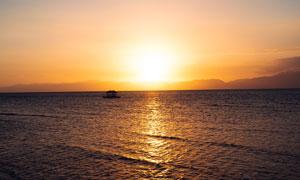 夕阳下的海洋美景摄影图片