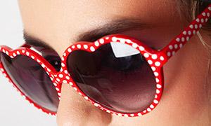 波点装饰眼镜美女人物摄影高清原片