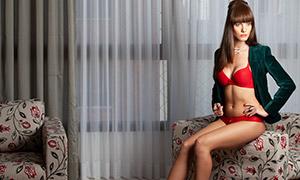 沙发上的内衣模特美女摄影高清原片