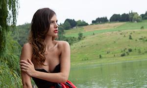 抹胸红裙美女外景写真摄影高清原片