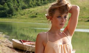 吊带裙装盘发美女人物写真摄影原片