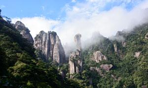 乌云缭绕的三清山旅游摄影图片