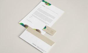 信封名片与商务用纸张样机分层模板