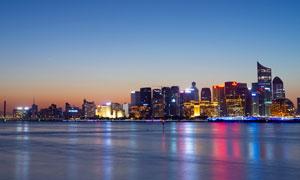 蓝天下的城市夜景全景高清摄影图片