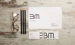铅笔信封与眼镜名片等样机模板素材