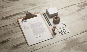 信笺铅笔与名片印章等元素样机模板