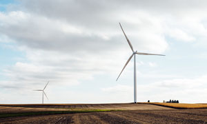 田園上的風車發電高清攝影圖片