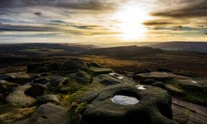 清晨高原上美丽的风景摄影图片