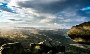 清晨山顶怪石美景摄影图片