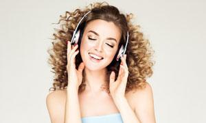 聽著音樂嗨起來的美女攝影高清圖片