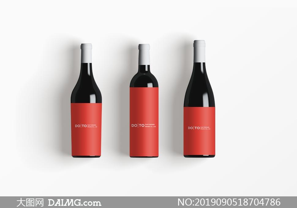 不同容量的酒瓶贴纸样机模板源文件