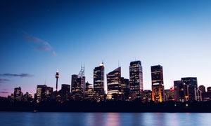 海边美丽的城市夜色高清摄影图片
