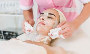 在面部美容護理的美女攝影高清圖片