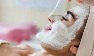 滋養保濕面膜護理美女攝影高清圖片