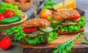 蔬菜与荤素搭配的汉堡摄影高清图片