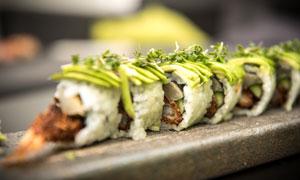 精心制作好的日料寿司摄影高清图片