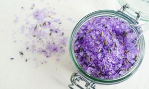 装玻璃罐里的紫色浴盐摄影 澳门线上必赢赌场