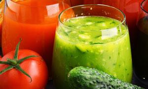 西红柿黄瓜榨成的汁儿摄影 澳门线上必赢赌场