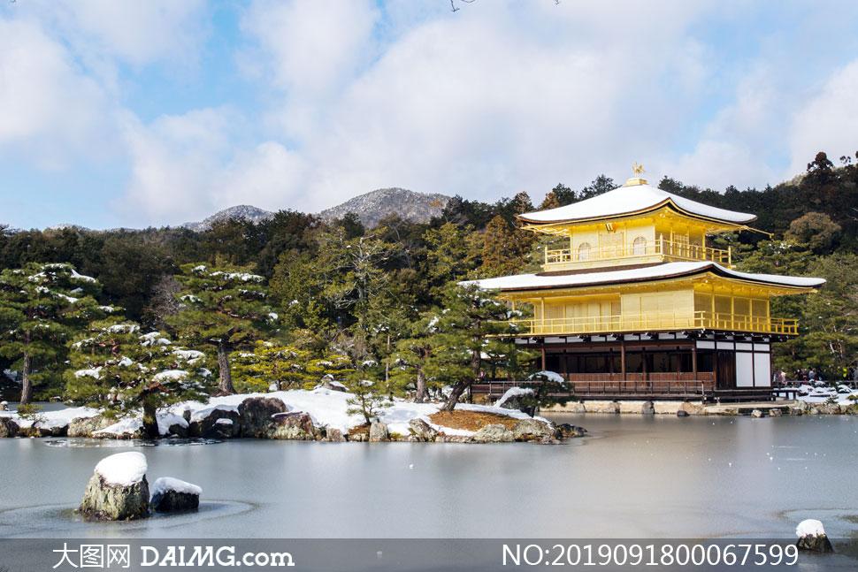 公园湖边建筑雪景摄影图片