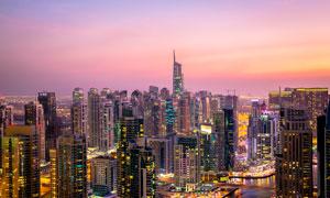 夜色下的城市建筑美景摄影图片