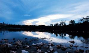 广东东莞茶山生态园湖泊美景摄影图片