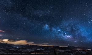 星空下的美丽山村夜景摄影图片