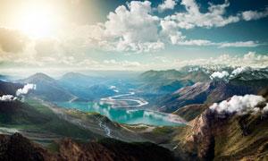阳光下的山川河流高清摄影图片