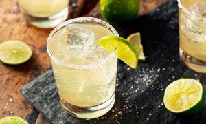 柠檬鸡尾酒餐饮酒水摄影图片