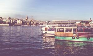 海边航行的轮渡高清摄影图片