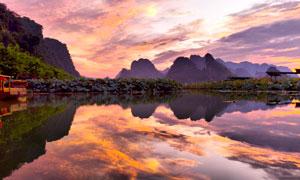傍晚美丽的英西峰林湖景高清摄影图片
