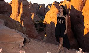 黑色镂空裙装美女人物摄影原片素材