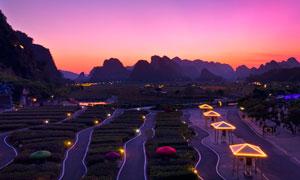 峰林小镇美丽的晚霞风光摄影图片