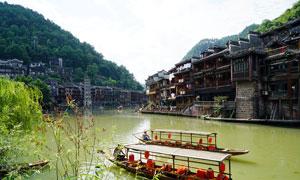 沱江边的凤凰古城古建筑摄影图片