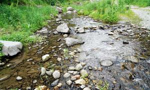 辽宁抚顺筐子沟景区的溪流摄影图片