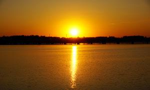 沈阳丁香湖美丽的夕阳景观摄影图片
