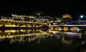 凤凰古城美丽的雪桥夜景摄影图片