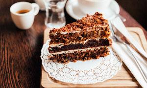 巧克力三层蛋糕西点美食摄影图片