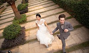 正奔向幸福的情侣婚纱摄影高清原片
