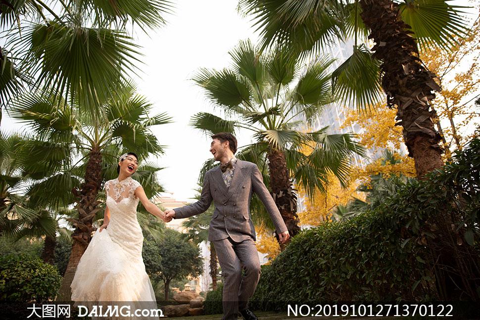 低角度视角拍摄的婚纱高清原片素材