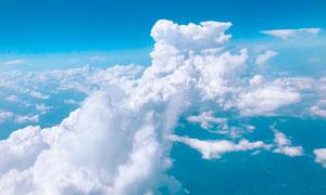 天空中的白云景观摄影图片