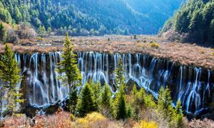 山林中美丽的瀑布高清摄影图片