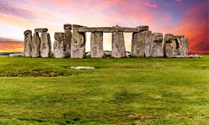 黄昏下的英国巨石阵高清摄影图片