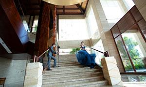 镜头下的蓝裙美女婚纱摄影原片素材