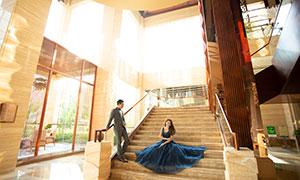 藍裙婚紗美女西裝男士攝影原片素材